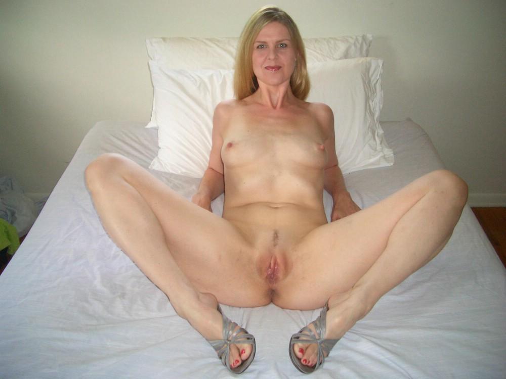 Horny moms videos milf