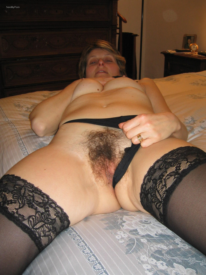 Amateur granny and her old hungry vagina 8