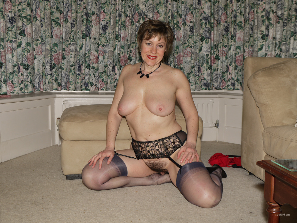 housewife mature nude