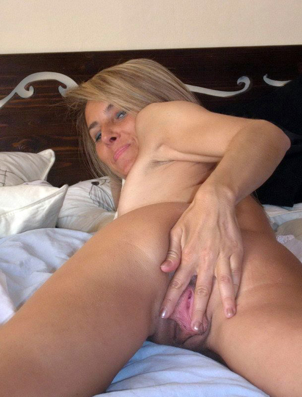 middle aged skinny nude women sex videos