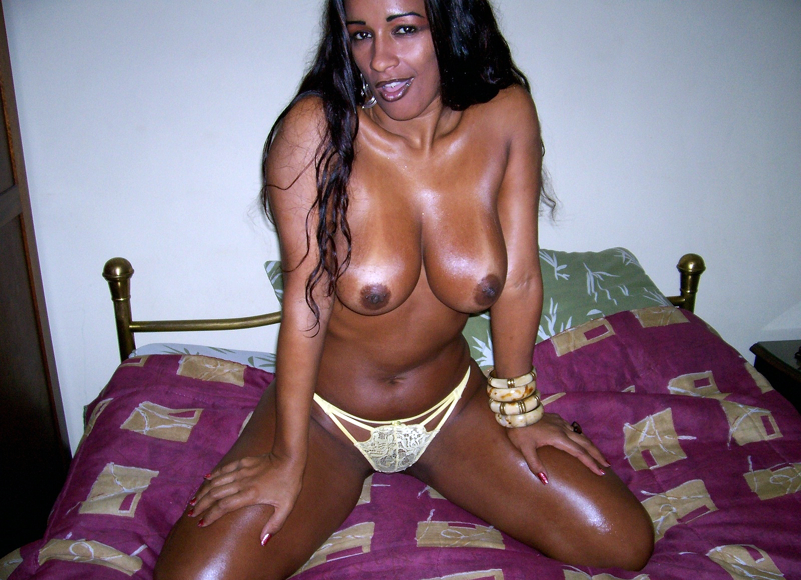 Homemade Sex pictures of Amateur black Housewives. Image #5