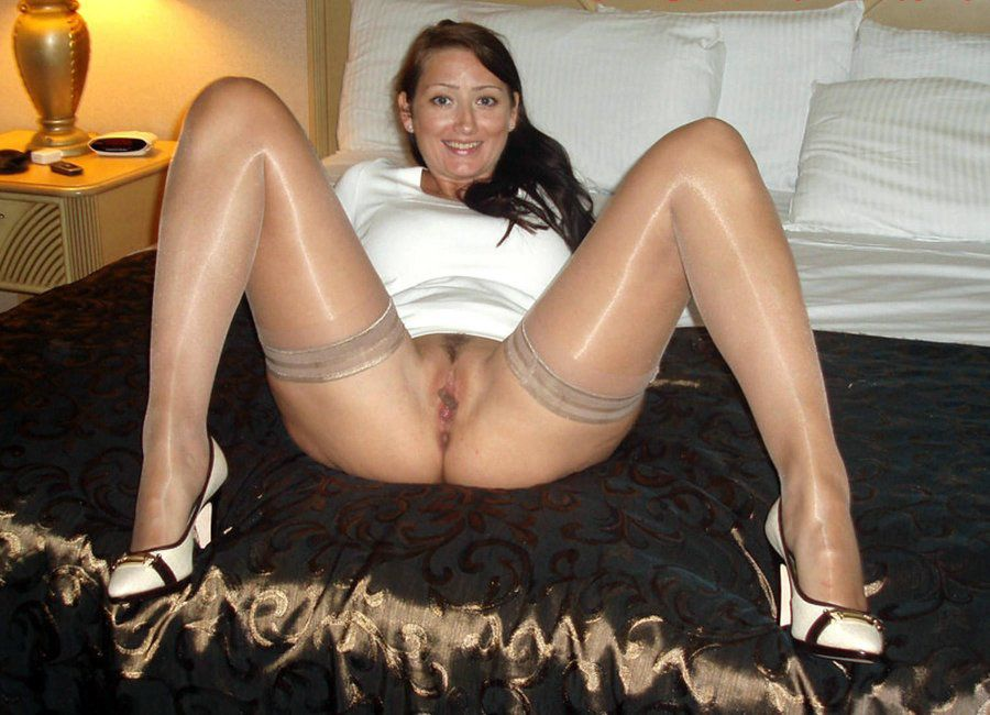 lusty grandmas irene field mature pussy hustler sexphotos
