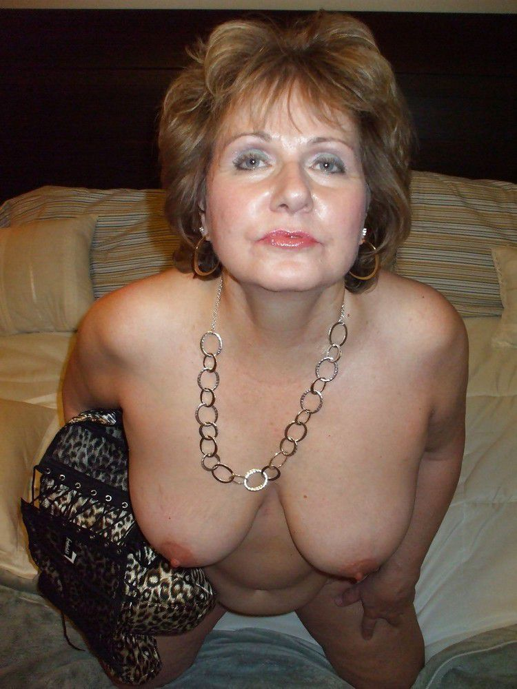 Shocking amateur photos focus on the naked elders. Full-size picture #10