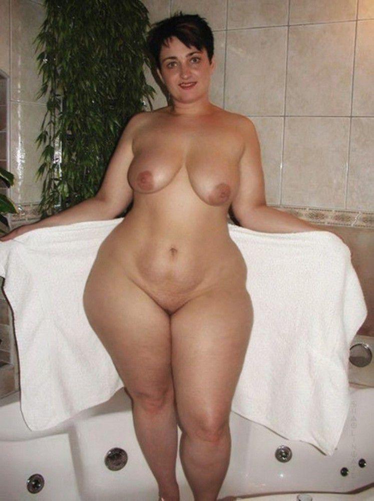 Wide Hips Mature Porn