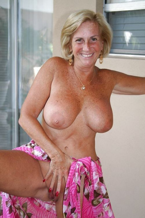 Sexy German moms, girlfriends and ex-wives Flashing. Full-size picture ...
