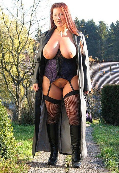 Description: Busty mature BBW naked, big hipps. Channel: BBW ⚹ Big ...: maturepornsuck.com/bbw-pics/gallery...