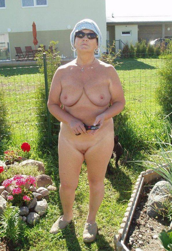 Old fuck the girl in garden