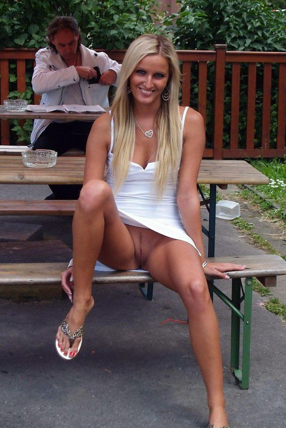 Upskirt No Panties Park