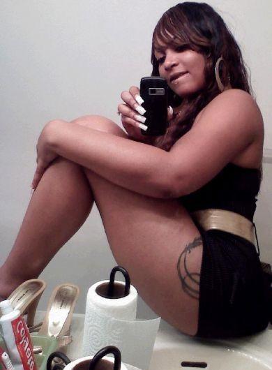 Monica leon naked pics