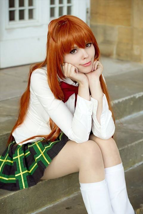 What colours should redheads wear