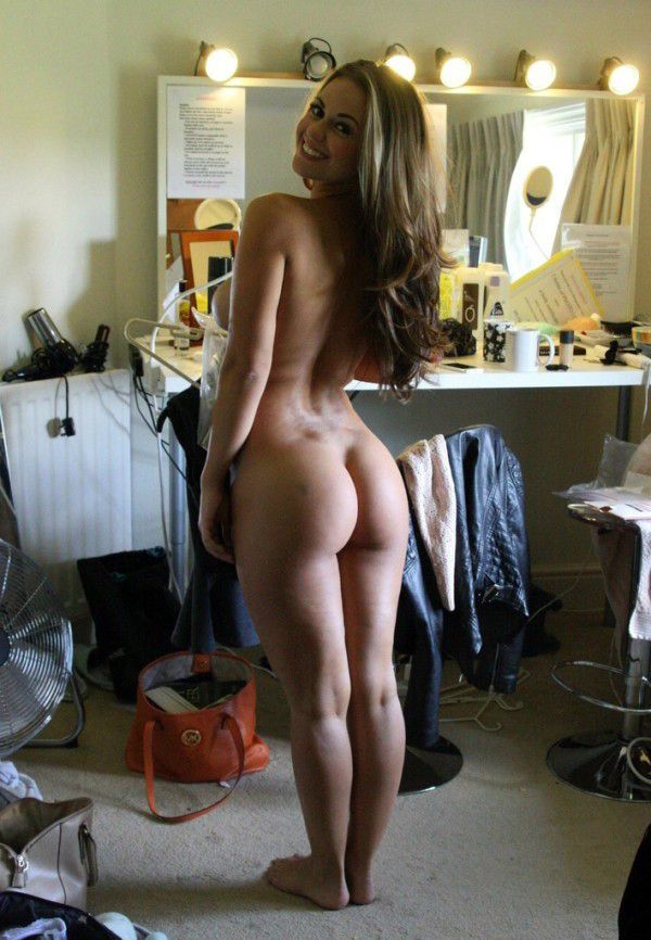 sexy-nude-athletic-female-ass