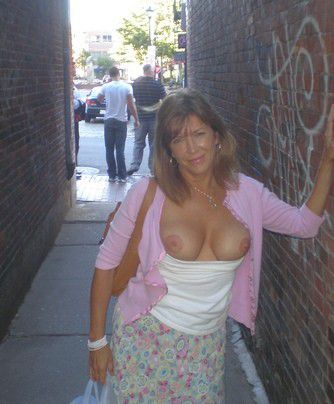 Milf flashes