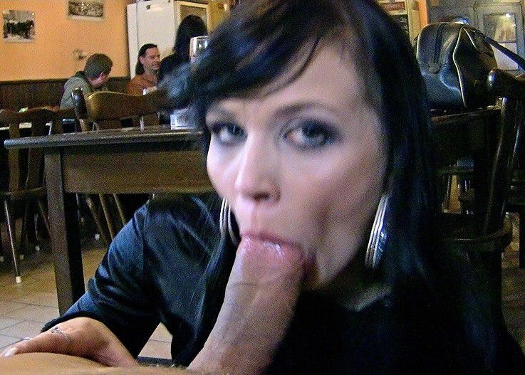 amateur restaurant sex