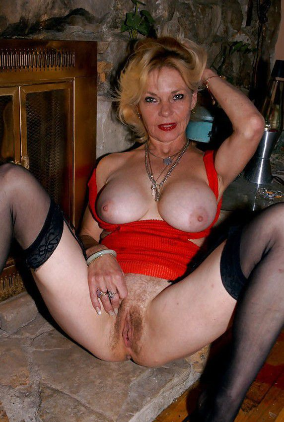 Euro granny gigi is flaunting her fuckable body 8