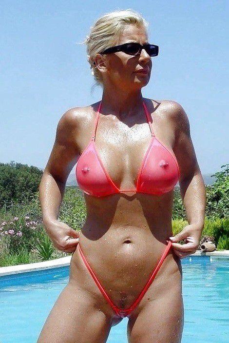 amature mom in a bikini