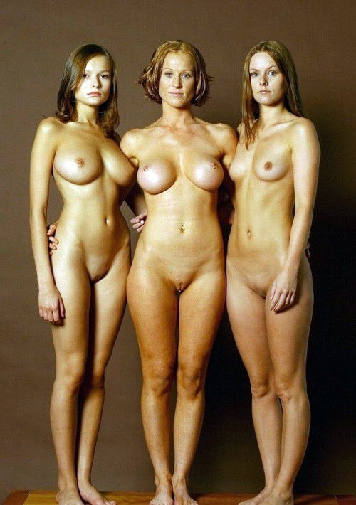 ... : Family photoshoot.. ★ Category: Nude , Milf , Mature , Babes