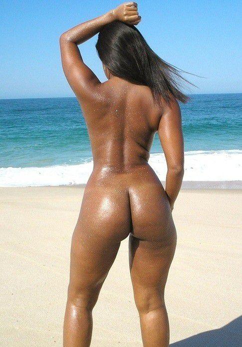 horny women on the beach