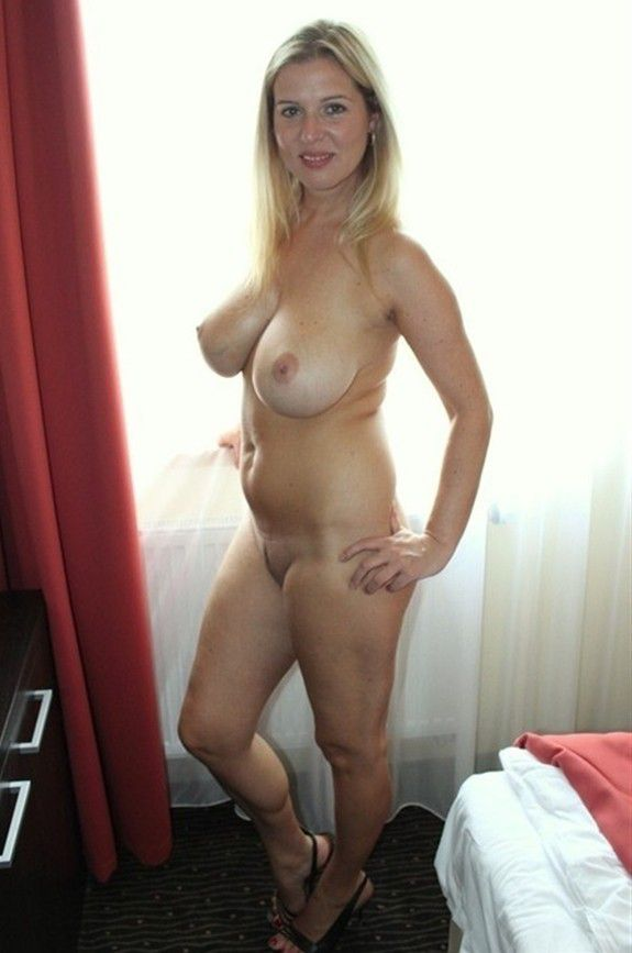 Happiness! Homemade amateur mature blonde nude wife afraid