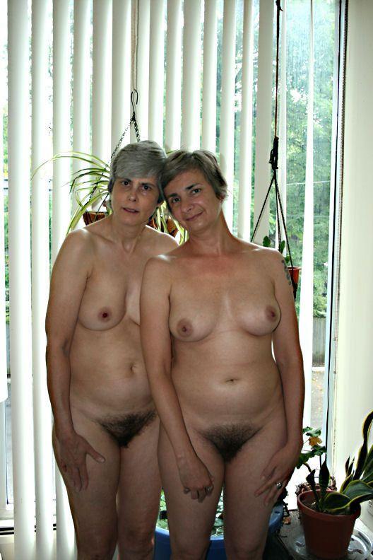 Hairy nudist thumbs still good