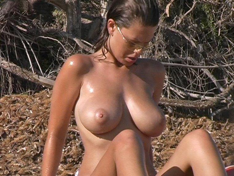Beach boobs voyeur