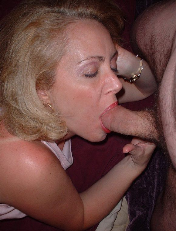 Mature Cock Suckers - MILFs and Mature babes that love to