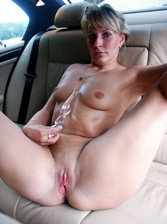 A front seat blow job on her break 5