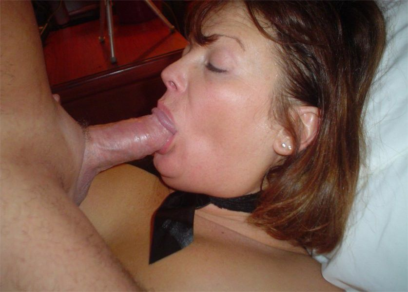 Real Amateur Milf Giving Head