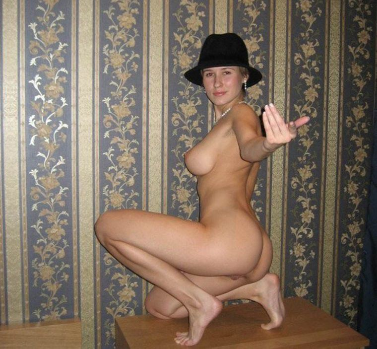 nude solo girls using dildo