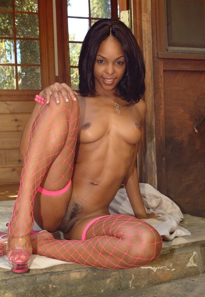 image Hot ebony in pink heels webcam squirting