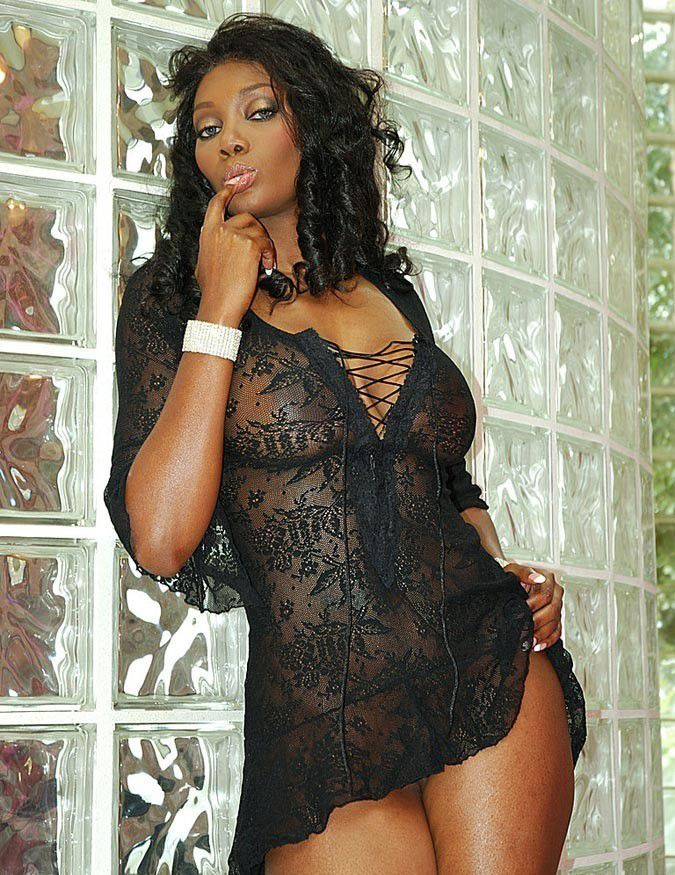 Ebony naked home — photo 14