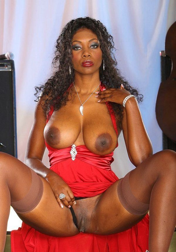 shaved-black-nude-girls-great-breast-swing-by-fuck