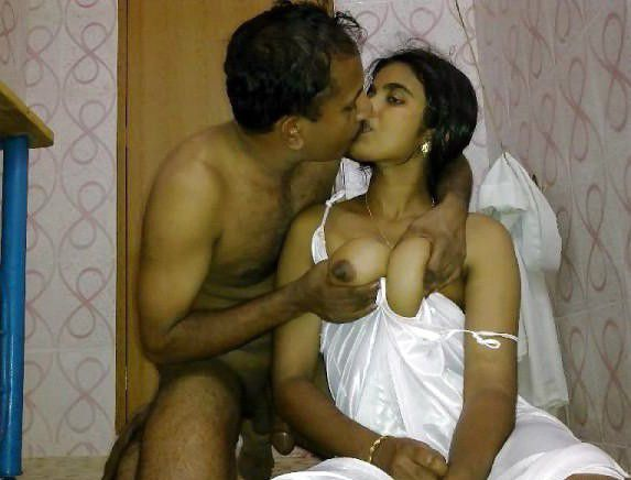 Erotic kissing couples