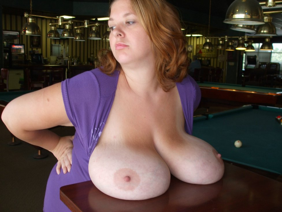 Fantastic big boobs housewife... Pic #5